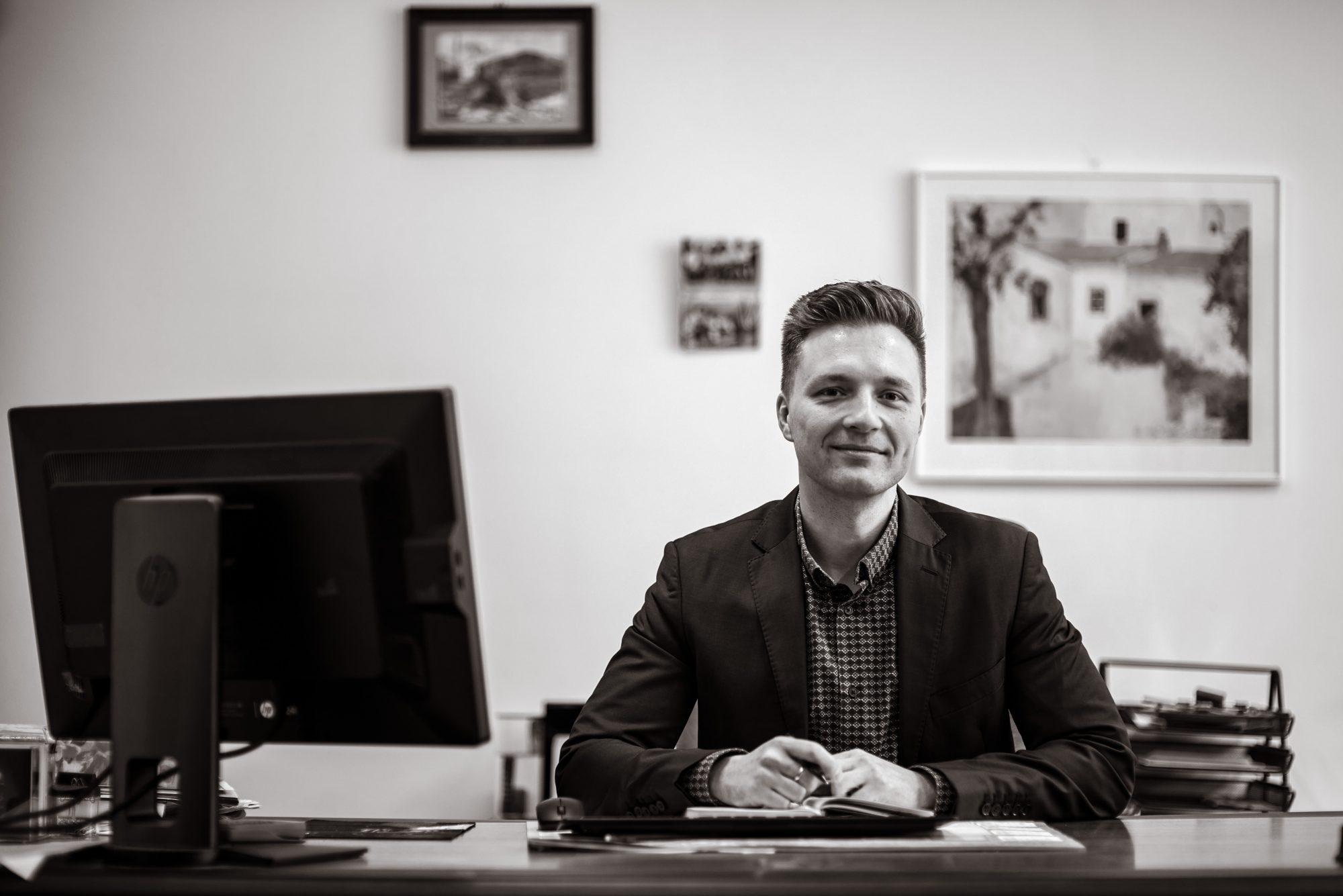 Wojciech Obrzut - Vorbereitung der Dokumentation und Vertretung.